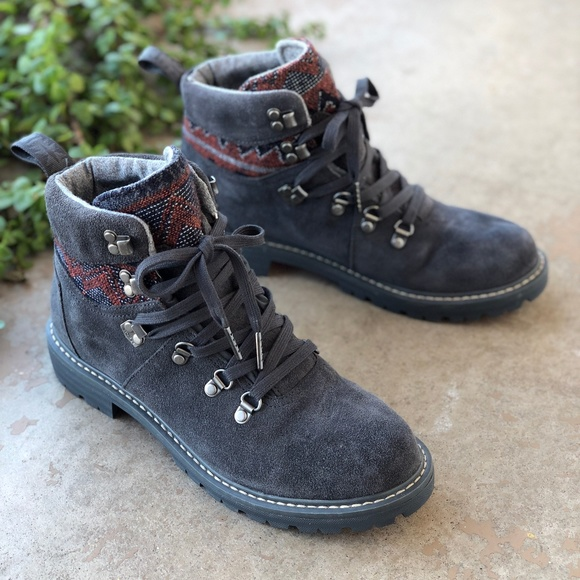 toms summit hiking boots